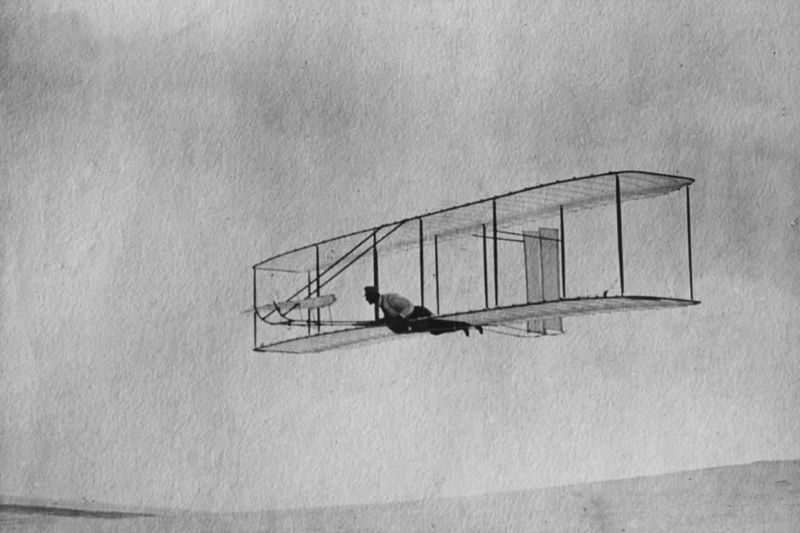 Picture-of-http://www.jetrequest.com/2JRAircraftPictures/Aircraft%20Pictures/1902_Wright_Glider_Wilbur_Flying.jpg					-Aircraft gallery