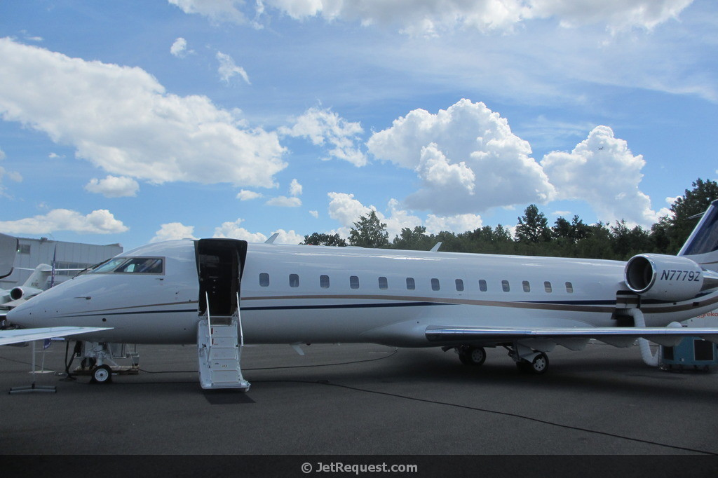 Picture-of-Challenger 850-Aircraft gallery