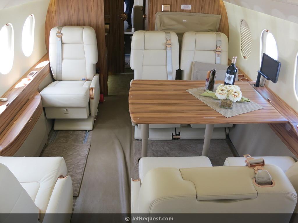 Falcon 2000LX Picture