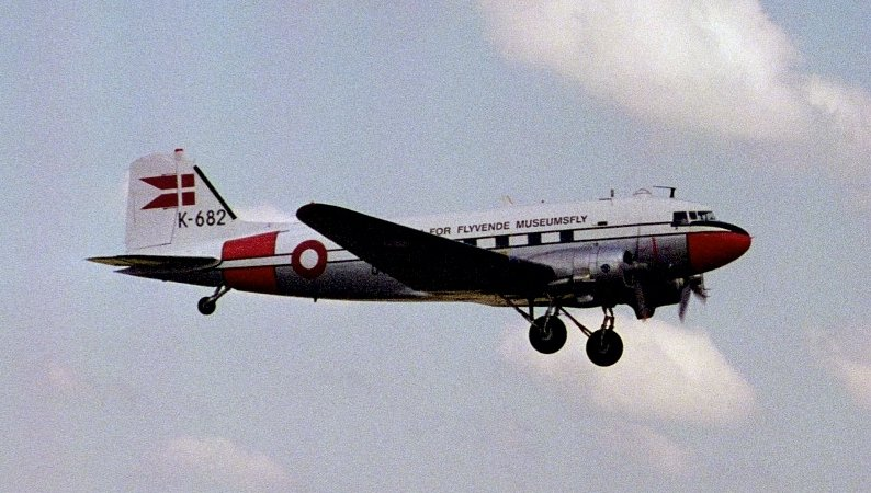Picture-of-DC-3-Aircraft gallery