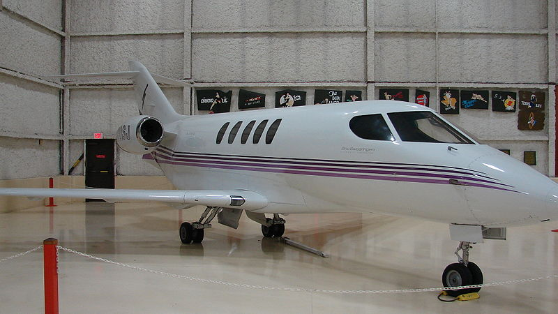 Picture-of-http://www.jetrequest.com/2JRAircraftPictures/Aircraft%20Pictures/Emivest_SJ30-2_Exterior.jpg					-Aircraft gallery
