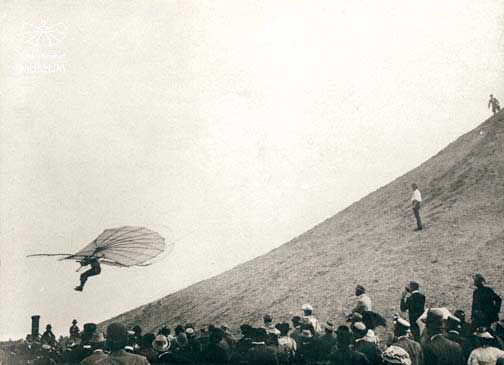 Picture-of-http://www.jetrequest.com/2JRAircraftPictures/Aircraft%20Pictures/Otto_Lilienthal_Derwitzer_Glider_flying.jpg-Aircraft gallery