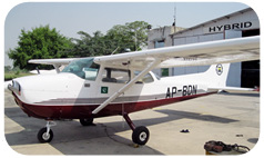 Picture-of-Cessna 172N Skyhawk-Aircraft gallery