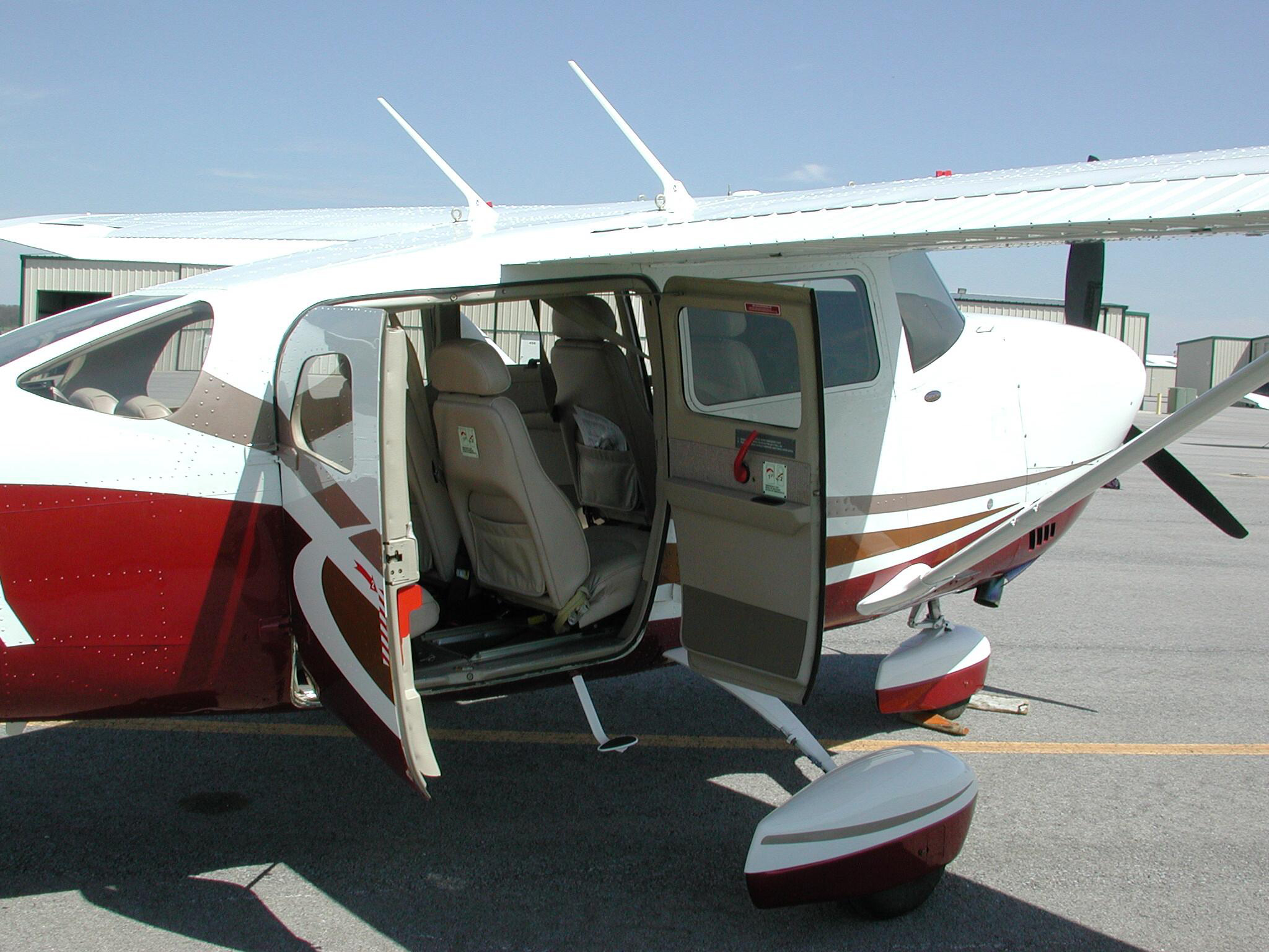 Picture-of-Cessna 206T Stationaire-Aircraft gallery