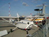 Picture-of-Cessna 172 Skyhawk-Aircraft gallery