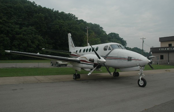 Picture-of-Cessna 310R-Aircraft gallery