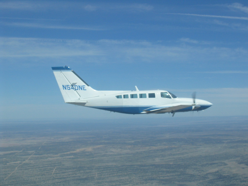 Picture-of-Cessna 402C Business-Utiliner-Aircraft gallery