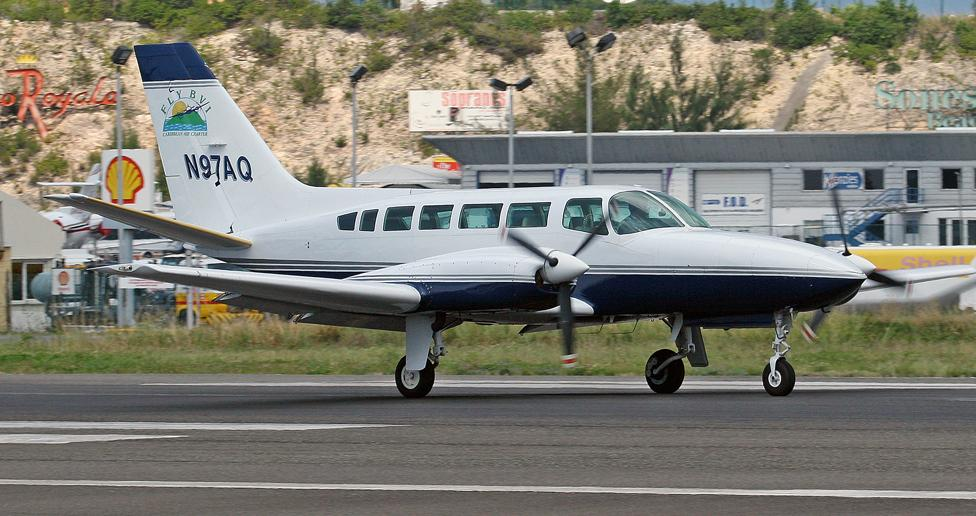 Picture-of-Cessna 404 Titan Ambassador-Aircraft gallery
