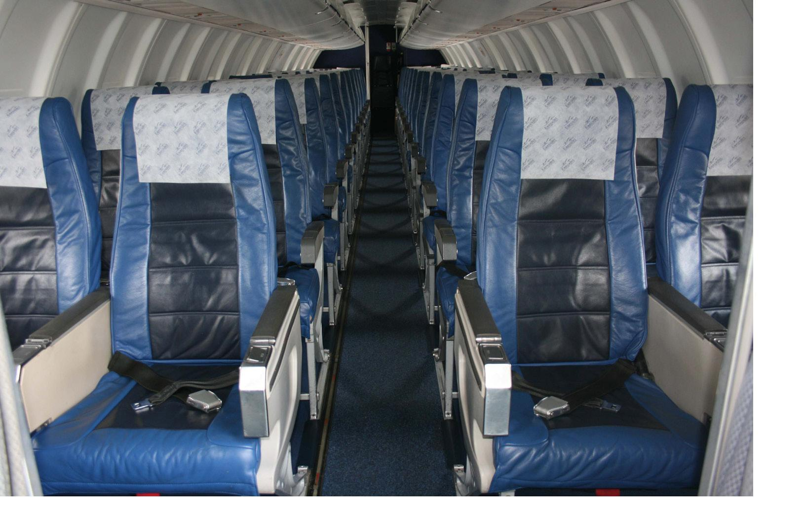 Picture-of-CRJ200-Aircraft gallery