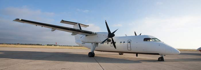 Picture-of-Dash 8-200-Aircraft gallery