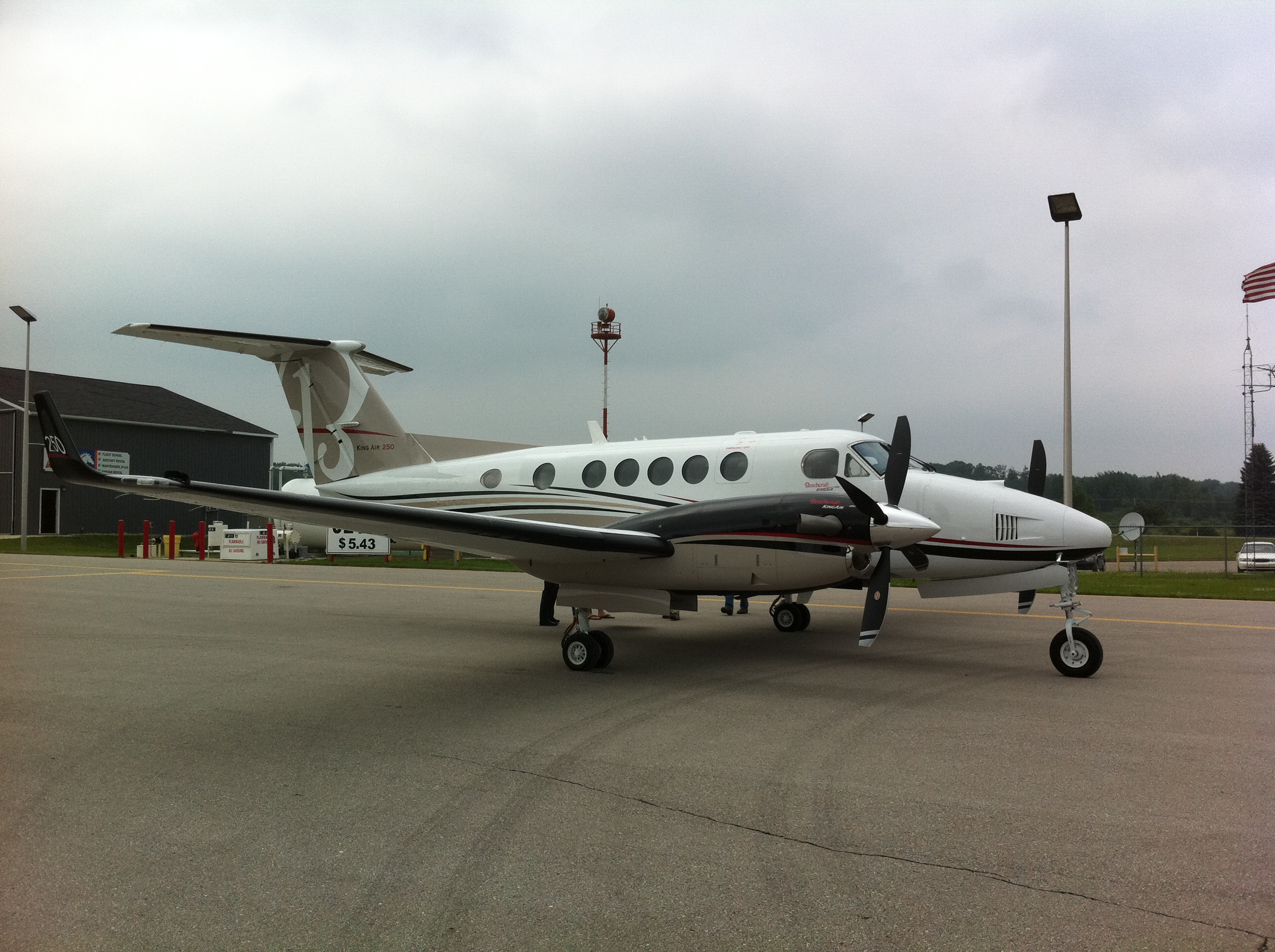 Picture-of-Super King Air 250-Aircraft gallery