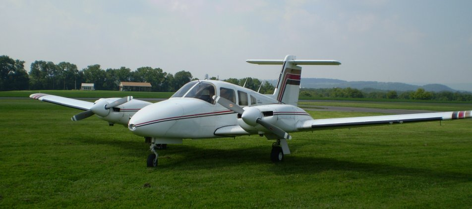 Picture-of-Piper PA-44-180 Seminole-Aircraft gallery